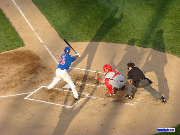 Derrek Lee casts a big shadow at Wrigley Field